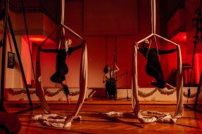 Performance with Žongléros acrobats at Pecha Kucha Night